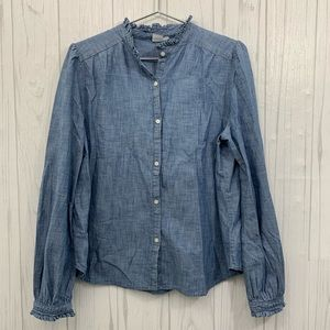 GAP RUFFLED CHAMBRAY BLUE BUTTON TOP LARGE